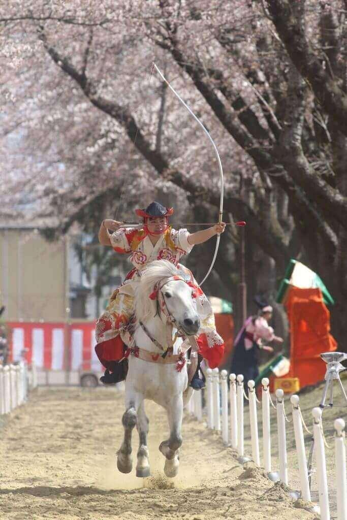 P03桜流鏑馬-683x1024